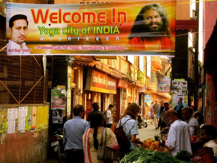 rishikesh street during yoga fest